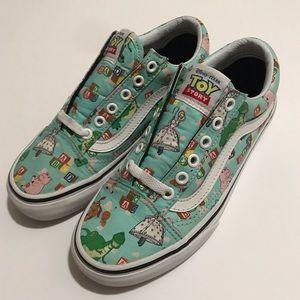 9261af88a0d13d Vans · Vans Pixar Disney Toy Story Old Skool Women 6.  88  0